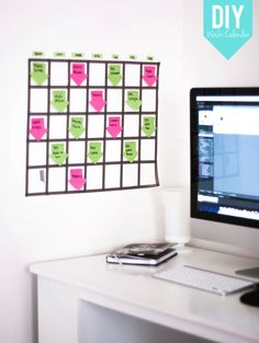 Calendario de pared con washitape, que puedes hacer tú misma. Manualidades de oficina.