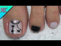 ♥DISEÑO DE UÑAS PARA PIES MANDALAS BLANCO Y NEGRO PRINCIPIANTES - MANDALAS NAIL ART - NLC - YouTube Cute Pedicure Designs, Toe Nail Designs, Cute Pedicures, Manicure And Pedicure, Toe Nail Art, Toe Nails, Purple And Pink Nails, Cute Simple Nails, Kawaii Nails