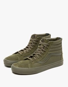 Vans, a vintage-inspired Sk8-Hi in Ivy Green.