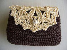 Cute Lil Floral Pouch: free crochet pattern