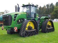 John Deere green Quad