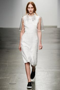 See the complete Osklen Spring 2015 Ready-to-Wear collection.