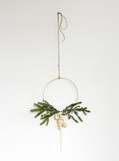 We've loving these less-traditional takes on Christmas wreaths.