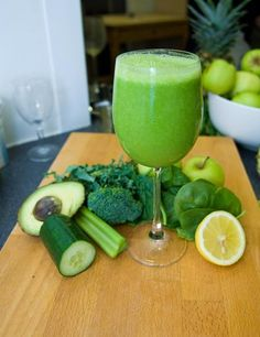 Juice Master - Veg Power Smoothie | ELLE UK Ingredients: Apples x 2 (Golden Delicious ideally or any will do) Spinach x 1 large handful Kale x 1 large handful Lemon x 1/2 (wax free with the skin on) Celery x ½ stick Cucumber ¼ medium Broccoli Stem x 2 cm chunk Avocado x 1/2 medium Ice Cubes x 1 small handful Method: Juice all the ingredients except the avocado and ice. Pour the juice into a blender along with the avocado flesh and ice and blend until smooth.
