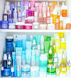 Drugstore Skincare, Best Skincare Products, Face Products, Beauty Care, Beauty Skin, Makeup Storage Display, Beauty And Beast Wedding, Clear Skin Tips, Beauty Book