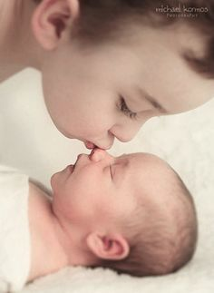 Super cute newborn sibling shot. SO want to do this sometime :) #newbornphotography