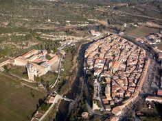 Lagrasse - Aude (France avec l'Abbaye)