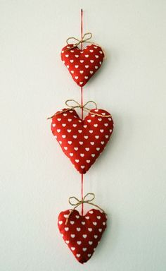 Couture, DIY, Déco Maison, Free Sewing Pattern, Home sweet Home Felt Christmas Decorations, Valentines Day Decorations, Valentine Day Crafts, Christmas Crafts, My Sweet Valentine, Christmas Sewing, Sewing Crafts, Sewing Projects, Sewing Diy