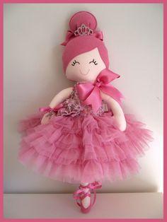 Trellis Design: May 2012 Fabric Dolls, Paper Dolls, Sewing Toys, Sewing Crafts, Raggy Dolls, Tilda Toy, Trellis Design, Clothespin Dolls, Doll Quilt