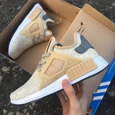969e05054144 Authentique Chaussures Femme Homme Adidas NMD XR1 Beige