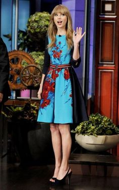 Taylor Swift Fashion and Style - Taylor Swift Dress, Clothes, Hairstyle - Page 6