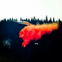 #KingFire @Pollock Pines -El Dorado Co, w/Douglas DC 6 dropping a load of fire retardant...9.13.14 ~