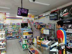 PASURUAN - Untuk menekan angka kriminalitas di wilayah kecamatan Nguling, petugas patroli polsek Nguling yang diawaki Bripka Agung dan Briga...
