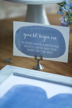 Love the idea of guests signing an art print that can be used in the nursery! #babyshower