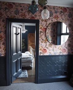 Some beautiful new interior photos up on the site - courtesy of the brilliant Victorian House Interiors, Victorian Cottage, Cottage Interiors, Victorian Homes, Anaglypta Wallpaper, Bold Wallpaper, Style At Home, Victorian Hallway, Modern Victorian Bedroom