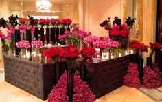 Jeff Leatham Four Season George V Valentine Booth Jeff Leatham, Rose Shop, Four Seasons Hotel, Bridesmaid Dresses, Wedding Dresses, Pop Up, Flower Arrangements, Floral, Bouquet