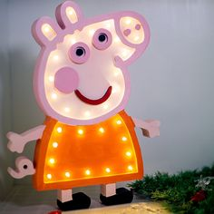 Cute Peppa Pig Shaped Night Light Up Lamp for Baby Kid Sleep (Wooden) Peppa Pig, Wholesale Balloons, Advent Calendars For Kids, Kids Bookcase, Balloon Decorations Party, 1st Birthday Girls, Kids Bedroom, Baby Bedroom, Foil Balloons