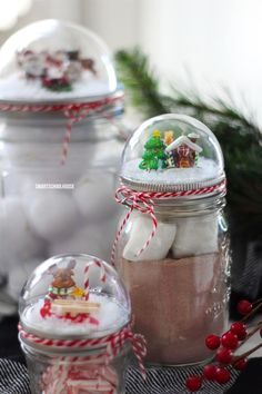 How to make a Mason Jar Lid Snow Globe for Christmas using a clear plastic ornament. DIY Christmas gift in a jar idea. How to make a Mason Jar Lid Snow Globe for Christmas using a clear plastic ornament. Easy Diy Christmas Gifts, Christmas Projects, Holiday Crafts, Christmas Decorations, Christmas Ornaments, Christmas Ideas, Homemade Decorations, Diy Ornaments, Christmas Cupcakes