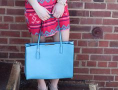 A Classic Handbag- Blue - BubbaJane's Boutique