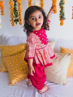 Baby Girl Frocks, Frocks For Girls, Dresses Kids Girl, Kids Outfits Girls, Girls Party Dress, Indian Baby Girl, Kids Indian Wear, Kids Ethnic Wear, Kids Frocks Design