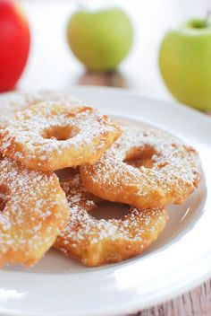 Apple Fritters - the easiest apple fritters you will ever bake! Coat sliced apples in pancake batter! Easy Apple Fritters Recipe, Fried Apple Slices Recipe, Apple Fritter Recipes, Green Apple Recipes, Fruit Recipes, Sweet Recipes, Dessert Recipes, Cooking Recipes, Fried Apples