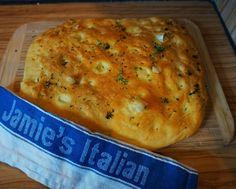Beste Foccacia Rezept nach Jamie Oliver mit Rosmarin und Olivenoel