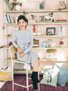 En casa de Belén Canalejo My Dream Home, Purple, Pink, Living Spaces, Ruffle Blouse, Street Style, Legs, House, Inspiration