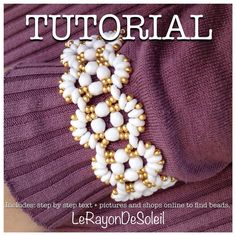 Tutorial Abanicos bracelet: Superduo chalkwhite, opaque white fire polished and czech seed beads, golden metallic seed beads and findings. on Etsy, 4,50 €
