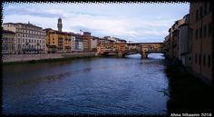 Vista del Ponte Vecchio y el río Arno, Florencia. View of Ponte Vecchio and Arno River, Florence