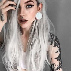 Gray Wigs Lace Frontal Wigs instant grey hair touch up – roywigs Natural Hair Growth, Natural Hair Styles, Short Hair Styles, Blonde Highlights Short Hair, Blonde Hair, Lace Front Wigs, Lace Wigs, Grey Hair Touch Up, Labret Vertical