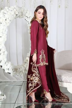 Stylish Dress Designs, Stylish Dresses, Simple Dresses, Beautiful Dresses, Casual Dresses, Fashion Dresses, Amazing Dresses, Women's Casual, Simple Pakistani Dresses