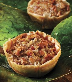 These mini fillo shells are the best for making bite-sized appetizers and desserts! Low-cal and delicious! Phyllo Recipes, Tart Recipes, Appetizer Recipes, Baking Recipes, Philo Pastry, Philo Dough, Athens Food, Wise Foods, Pecan Tarts