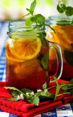 Sweet tea. Aka love in a jar.