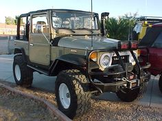 FJ40, FJ45 & FJ55 Toyota Land Cruisers, Land Rovers and Unimogs Call 24/7 (313) 414-3540