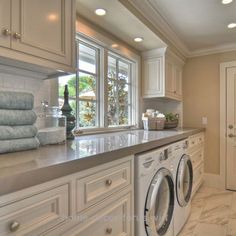 Outstanding the window would be facing into the backyard. The exterior door would be on the same wall as the washer and dryer. My favorite look by far The post the window would be f ..