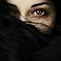 Imagem de eyes, freckles, and black