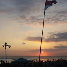 https://flic.kr/p/La3uH2 | Merdeka sunset on 66 Beach, Bali