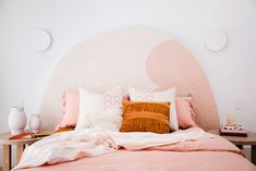 Upgrade Your Living Room and Bedrooms With These 40 Throw Pillows - The Trending House