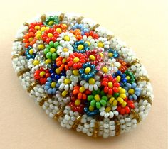 this reminds me of an old brooch that my grandmother had
