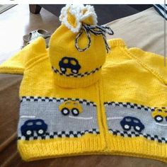 This Pin was discovered by Jas Crochet For Boys, Knitting For Kids, Knit Or Crochet, Baby Knitting Patterns, Baby Patterns, Baby Pullover, Baby Cardigan, Knitted Baby Clothes, Knitted Hats