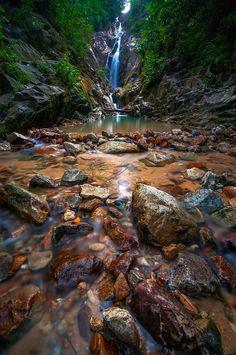 Peace (Gunung Pulai/Malaysia) by hamdi aziz