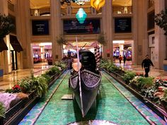 Gondola at entrance of Palazzo Casino. Las Vegas Travel Guide, Las Vegas Trip, Photo Diary, Best Places To Eat, Palazzo, South America, Travel Photos, Entrance, Travel Destinations