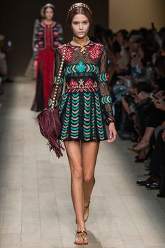 pop of aqua #valentino