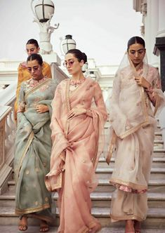 indian designer wear Sabyasachi just launched his 2020 new bridal collection. Sabyasachi Sultana Wedding Lehengas come in gorgeous new shades and you've got to see the dupatta! Sabyasachi Sarees, Ghagra Choli, Indian Sarees, Hijab Saree, Pakistani, Sabyasachi Bride, Lehenga, Ellie Saab, Indian Wedding Outfits