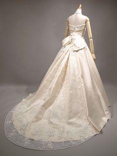 La Couture Yoshie 5403 シルク ウェディングドレス
