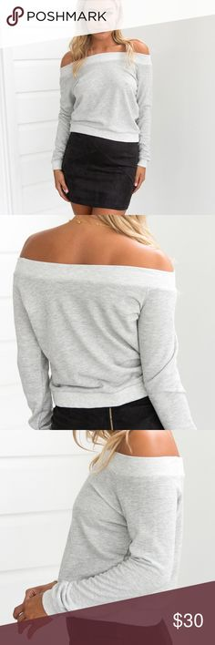Marisa Off the Shoulder Top {Grey} DETAILSGray and white mixcolourOff shoulder styleLong sleeveSlip on wear MODEL INFORMATION Model:Michaela wears XS Mauri's at Winter Park Tops Tees - Long Sleeve