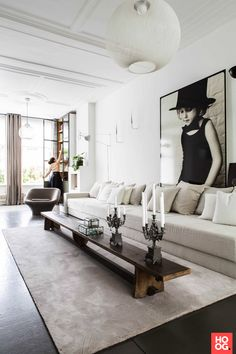 Love the Nest lounge chair in this livingroom designed by Quub Interior Concepts. Living Room Trends, Living Room Interior, Home Living Room, Living Room Designs, Interior Design Inspiration, Home Interior Design, Cheap Modular Homes, Interior Concept, Home Pictures