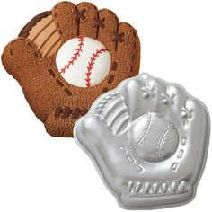 Baseball Mitt Pan - Wilton
