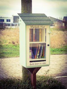 Minibieb Mus in De Lier. Kom gerust gratis boeken lenen of ruilen!