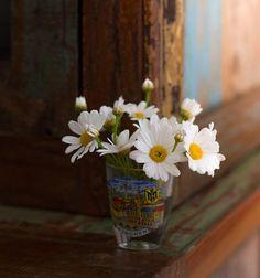 Flower Arrangements, Glass Vase, Flowers, Plants, Makeup, Decor, Girly Girl, Make Up, Floral Arrangements